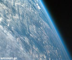 earth-clouds-seen-from-shuttle-lg1