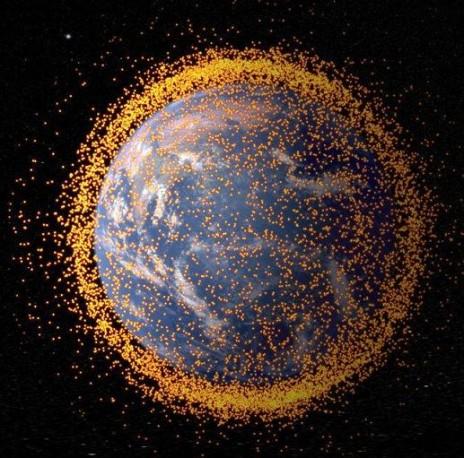 ვინ უფრო ანაგვიანებს კოსმოსს?