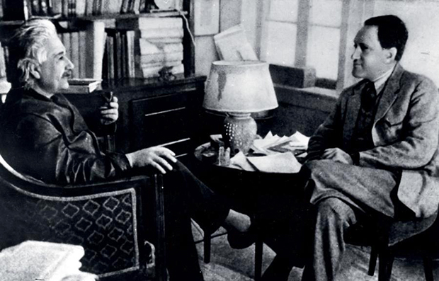 ალბერტ აინშტინი გრავიტაციული ტალღების წინააღმდეგ…