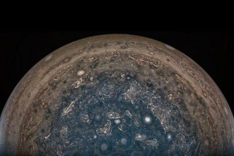 """""""ჯუნო"""" – დედამიწის ზომის ციკლონები და ძლიერი მაგნიტური ველი"""